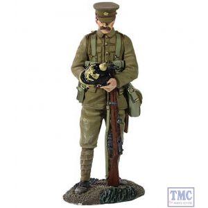 B23068 W.Britain 1914 British Infantry with Souvenir German Helmet World War I Collection