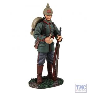 B23082 W.Britain 1914 German Standing with Pipe World War I Collection