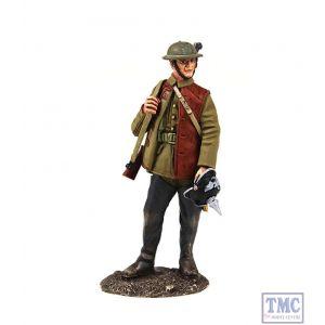 B23111 W.Britain 1916-18 British Infantry Standing with Souvenir Helmet World War I Collection