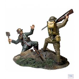 B23114 W.Britain Overrun 1917-1918 US Infantry Bayoneting German Infantry - WW1