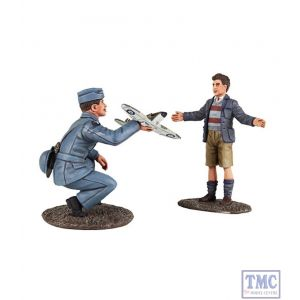 B25027 W.Britain RAF Pilot with Model Spitfire and Child 2 Piece Set World War II Collection