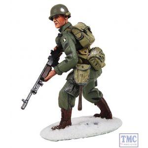 B25043 W.Britain U.S. 101st Airborne Infantry Advancing Winter 1944-45 World War II Collection
