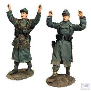 "B25079 W.Britain ""Kameraden!"" Two Surrendering Volksgrenadiers - 2 Piece Set World War II"