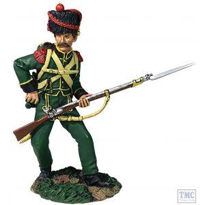 B36173 W.Britain Nassau Grenadier Reaching for Cartridge No.2 1815 Napoleonic