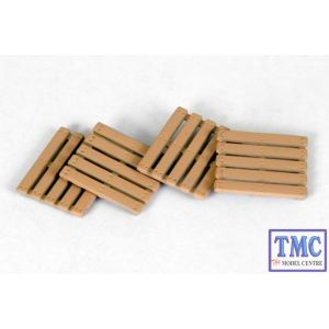 E99615 OO Gauge Wooden Pallets Exclusive First Edition (EFE)
