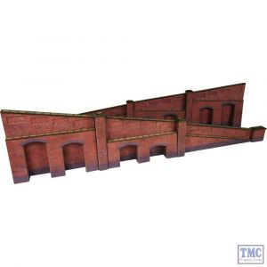 PO248 Metcalfe 00/H0 Scale Tapered Retaining Wall in Red Brick
