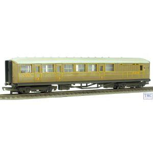 R4333 Hornby OO/HO Gauge RailRoad LNER Teak Brake Coach Weathered by TMC