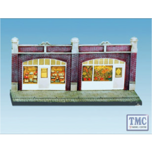 SS18 OO Gauge Station Forecourt Shops inc Printed Interiors