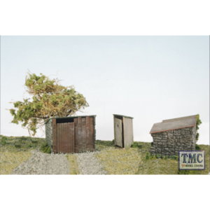 SS19 OO Gauge Grotty huts & Privy