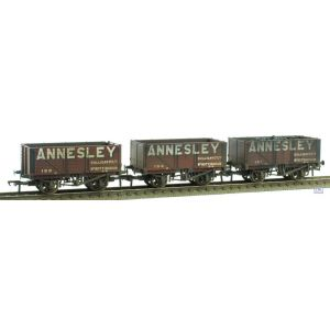 37-081X Bachmann OO/HO Scale Annesley PO 7 Planks Set of 3 Weathered by TMC