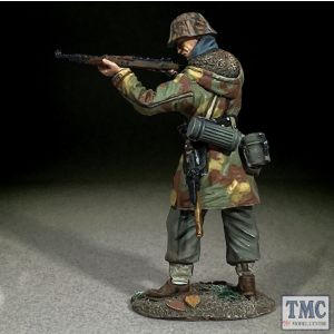 B25129 W.Britain German Waffen SS in Italian Camo Standing Firing K-98 WWII 1939-45