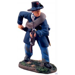 B31095 W.Britain Union Infantry Iron Brigade Reaching for Cartridge 1 American Civil War Collection