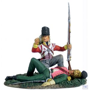 B36125 W.Britain British 44th Foot Light Company Looting French Officer Napoleonic