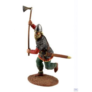 B62100 W.Britain Viking wearing Spangenhelm Attacking with Ax Wrath of the Northmen Collection