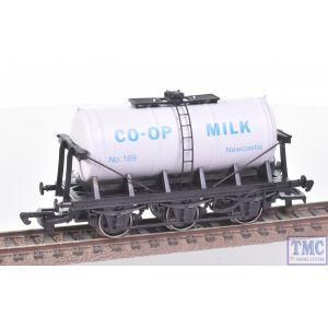 B654 Dapol OO Gauge 6 Wheel Milk Tank Wagon Co-Op Milk Newcastle #169