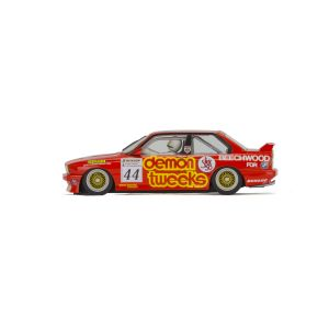 C3739 Scalextric BMW E30 M3 (Roland Ratzenberger)