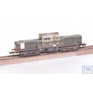 E84502 EFE Rail N Gauge Class 17 D8594 BR Green SYP Weathered by TMC