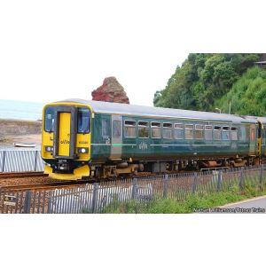 GM2210402 GM Collection N Gauge Class 153 380 GWR Green