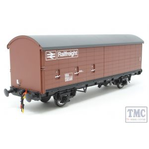1040 Heljan O Gauge VAA Railfreight VAA van in early bauxite