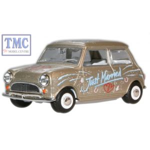 MIN016 Oxford Diecast 1:43 Scale Just Married Mini Car