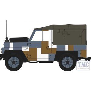 NLRL004 Oxford Diecast 1:148 Scale Land Rover Lightweight Berlin Scheme