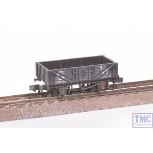 NR-40W Peco N Gauge Mineral 5 Plank GW Dark Grey with Extra Detail Weathering by TMC