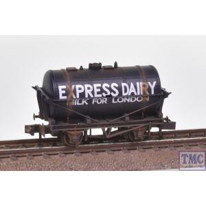 NR-P168 Peco N Gauge Milk Tank Wagon Express Dairies Weathered by TMC (Missing Steps)