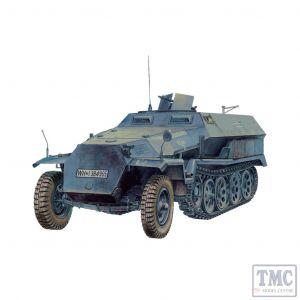 PKAF48007 AFV Club 1:48 Scale SdKfz 251/1 Ausf C Half-track