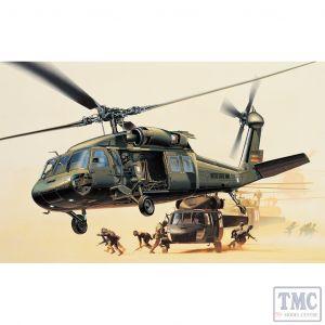 PKAY12111 Academy 1:35 Scale UH-60L Black Hawk