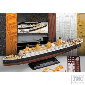 PKAY14214 Academy 1:700 Scale RMS Titanic Centenary