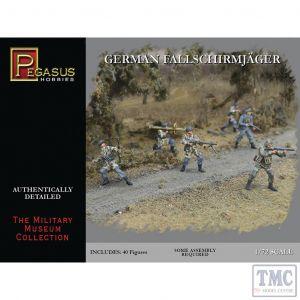 PKPG7224 Pegasus 1:72 Scale WWII German Fallschirmjäger