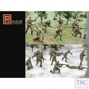 PKPG7498 Pegasus 1:72 Scale WWII Russians Summer & Winter (PE Plastic)