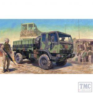 PKTM01004 Trumpeter 1:35 Scale M1078 LMTV Standard Cargo Truck