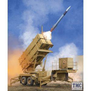 PKTM01040 Trumpeter 1:35 Scale US M901 Launching Station w/MIM-104F Patriot SAM System