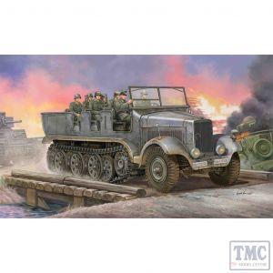 PKTM05531 Trumpeter 1:35 Scale SdKfz 6 5ton Half-track Artillery