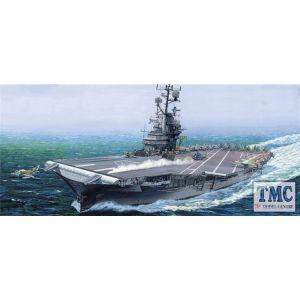 PKTM05618 Trumpeter 1:350 Scale USS Intrepid CV-11 (ex-Gallery)