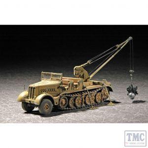 PKTM07253 Trumpeter 1:72 Scale SdKfz 9 18ton Half-track w/ 6T Bilstein Crane Early