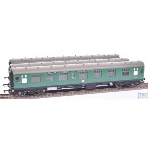R2599M Hornby OO Gauge The Royal Wessex Train Pack (3 pcs) - COACHES ONLY (Pre-owned)