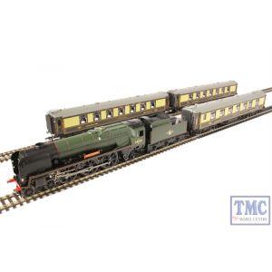 R3400 Hornby OO Gauge Golden Arrow Last Steam Run Train Pack - Limited Edition