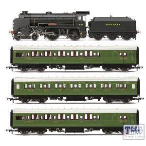 R3798 Hornby OO Gauge The School's Run Train Pack