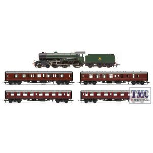R3801 Hornby OO Gauge Saturday Special Train Pack