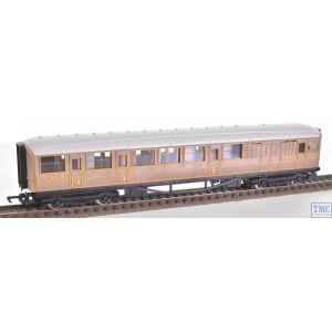 R4063B Hornby OO Gauge Gresley Brake Coach 5550 LNER Teak