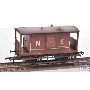R6833 Hornby OO Gauge LNER Dia.034 Toad B 20T Brake Van (Era 3) Weathered by TMC