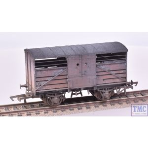R6840A Hornby OO Gauge BR Dia.1530 Cattle Wagon S52347 (Era 4) Weathered by TMC