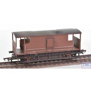 R6909A Hornby OO Gauge BR D2068 20T Brake Van M731792 - Era 4