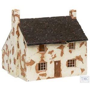 R8562 Hornby OO Gauge Skaledale Derelict House