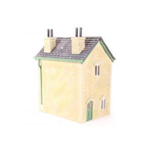 R9218 Hornby OO Gauge Thomas & Friends Maithwaite Station House (Ex-Display Item)