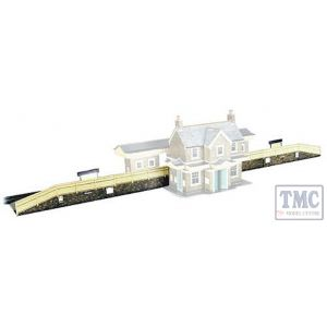 A1 Superquick OO/HO Station Platforms - Card Kit Overall size: 610 x 50 x 16mm