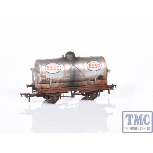 37-684 Bachmann OO/HO 14 Ton Tank Wagon With Large Filler 'Esso' Silver Weathered by TMC (Pre Owned)