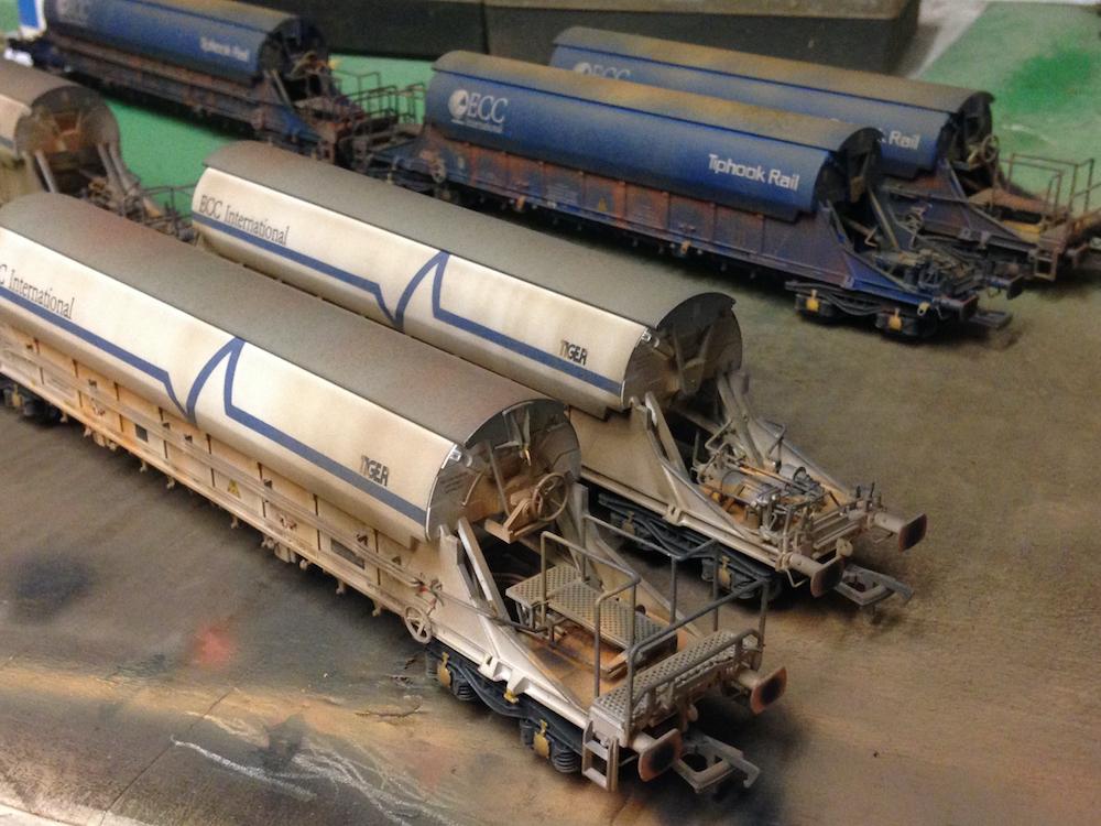 JIA/PBA Wagons Weathered by TMC